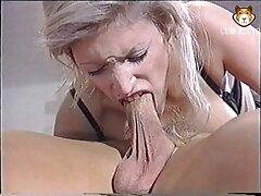 امرأة سمراء ناضجة حصلت في عرين سكسي اجنبي تحميل اثنين من الذكور