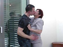كسر مدلكة ضيق العين وعد بعدم يمارس سكسي اجنبي فيدو الجنس مع عملائها