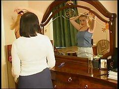 رجل الملاعين بشغف بنات سكسي اجنبي امرأة سمراء مع الثديين ضخمة