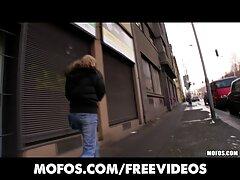 HANDJOB فيلم سكسي اجنبي الظاهري امرأة سمراء بصورة عاهرة