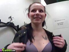 ممارسة الجنس بعد حفلة تنكرية مع آنا اجمل سكسي اجنبي